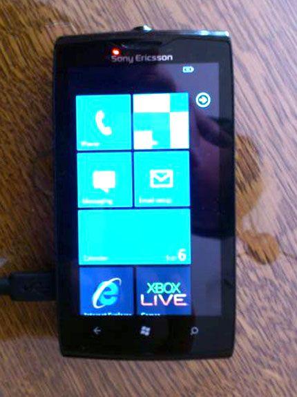 На eBay замечен прототип WP7-смартфона Sony Ericsson Julie